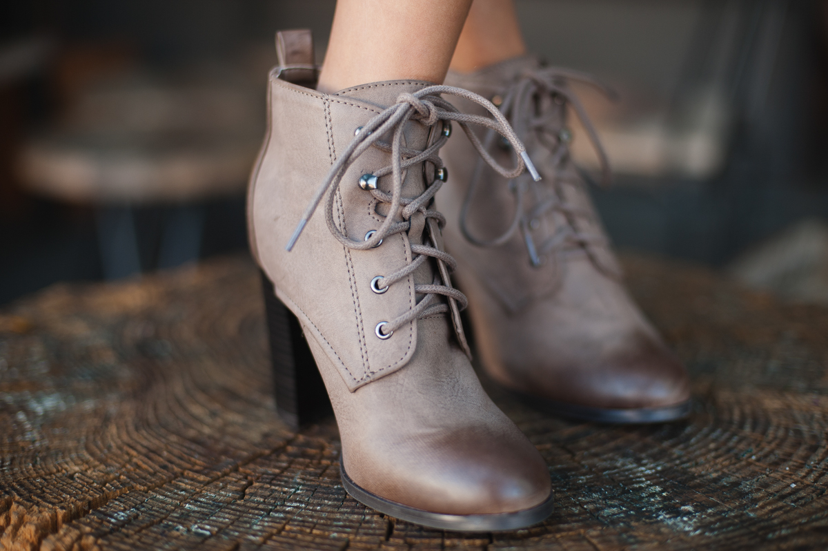 Lace Up booties trends